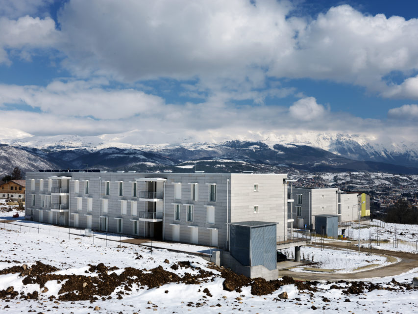 L'Aquila C.A.S.E. project, Emergency houses
