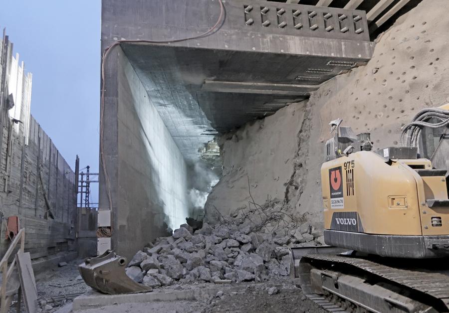 Oslo Follo Line Project: the E18 highway <br> bridge pier has been demolished!
